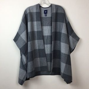 GAP Gray Checkered Poncho